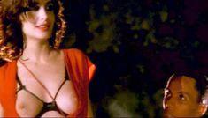 Полностью голая Клаудия Колль в фильме «Все леди делают это» фото #9