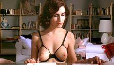 Полностью голая Клаудия Колль в фильме «Все леди делают это» фото #16
