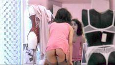 Полностью голая Клаудия Колль в фильме «Все леди делают это» фото #37
