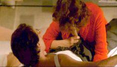 Полностью голая Клаудия Колль в фильме «Все леди делают это» фото #58