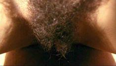 Полностью голая Клаудия Колль в фильме «Все леди делают это» фото #64