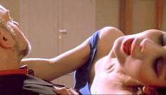 Полностью голая Клаудия Колль в фильме «Все леди делают это» фото #72