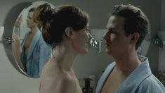 Голая грудь Клер Бронсон в сериале «Банши» фото #3