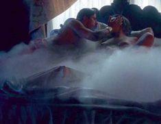Голая Криста Аллен в фильме «Эмманюэль. Мечты и сновидения» фото #14