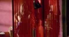 Голая Кристал Лоу в фильме «Дети кукурузы. Апокалипсис» фото #2