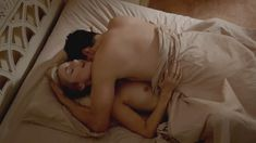 Голая Кэйтлин Фицджералд в сериале «Мастера секса» фото #14