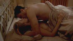 Голая Кэйтлин Фицджералд в сериале «Мастера секса» фото #16