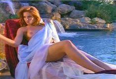 Голая Лайла Робертс в сериале «Эротические признания» фото #25