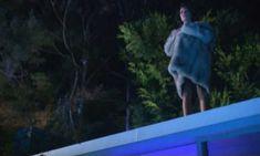 Голая Лара Флинн Бойл в сериале «Ненасытный» фото #1