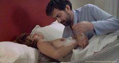 Красивая Лаура Моранте засветила голую грудь в фильме «Комната сына» фото #1