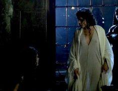 Засвет сосков Леонор Варела в сериале «Клеопатра» фото #1