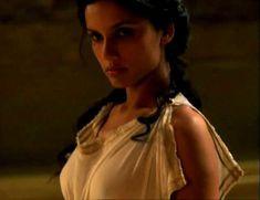 Засвет сосков Леонор Варела в сериале «Клеопатра» фото #8