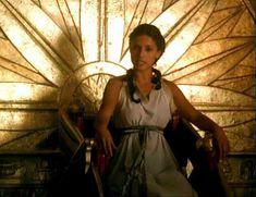 Засвет сосков Леонор Варела в сериале «Клеопатра» фото #10