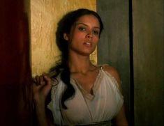 Засвет сосков Леонор Варела в сериале «Клеопатра» фото #13