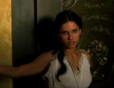 Засвет сосков Леонор Варела в сериале «Клеопатра» фото #15