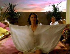 Засвет сосков Леонор Варела в сериале «Клеопатра» фото #18