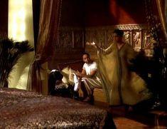 Засвет сосков Леонор Варела в сериале «Клеопатра» фото #37