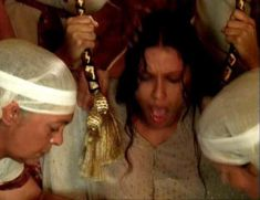 Засвет сосков Леонор Варела в сериале «Клеопатра» фото #44