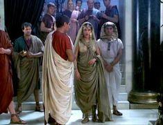Засвет сосков Леонор Варела в сериале «Клеопатра» фото #47