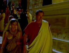 Засвет сосков Леонор Варела в сериале «Клеопатра» фото #49