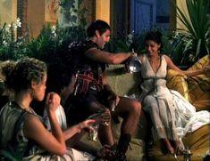 Засвет сосков Леонор Варела в сериале «Клеопатра» фото #53