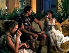 Засвет сосков Леонор Варела в сериале «Клеопатра» фото #55