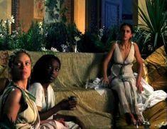 Засвет сосков Леонор Варела в сериале «Клеопатра» фото #56