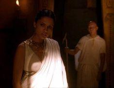 Засвет сосков Леонор Варела в сериале «Клеопатра» фото #72
