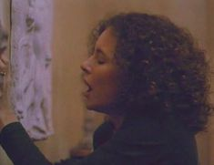 Голая Лесли Хоуп в фильме «Париж, Франция» фото #39