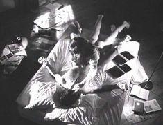 Голая Лесли Хоуп в фильме «Париж, Франция» фото #42