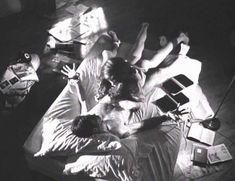 Голая Лесли Хоуп в фильме «Париж, Франция» фото #44