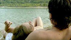 Лиззи Брошере снялась голой в фильме «У каждого своя ночь» фото #1