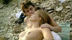 Лиззи Брошере снялась голой в фильме «У каждого своя ночь» фото #3