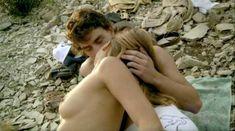 Лиззи Брошере снялась голой в фильме «У каждого своя ночь» фото #4