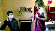 Лиззи Брошере снялась голой в фильме «У каждого своя ночь» фото #30