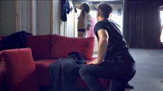 Голая Лиззи Брошере в фильме «За осенью следует зима» фото #6