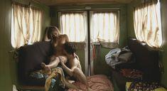 Голая Лиззи Брошере в фильме «Перевод с американского» фото #11