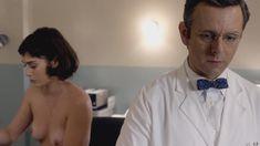 Голая Лиззи Каплан в сериале «Мастера секса» фото #13