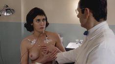 Голая Лиззи Каплан в сериале «Мастера секса» фото #16