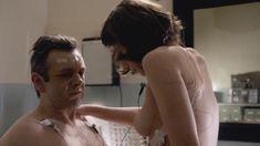 Голая Лиззи Каплан в сериале «Мастера секса» фото #21