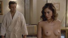 Голая Лиззи Каплан в сериале «Мастера секса» фото #38
