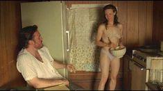 Лили Тейлор в прозрачном лифчике в фильме «Фактотум» фото #2