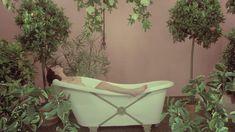 Голая Лина Ромай в фильме «Детка в Роллс-Ройсе» фото #92