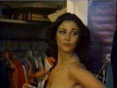 Линда Картер засветила голую грудь в фильме Bobbie Jo and the Outlaw фото #2