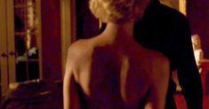 Аппетитная Линди Бут показала голые грудь и попу в фильме Century Hotel фото #1