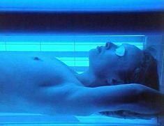 Голая Линдси Дункан в сериале «Траффик» фото #3