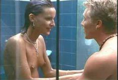 Голая Лола в сериале «Бухта страсти. Восходящие звезды» фото #7