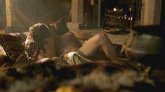 Голая Лора Хэддок в сериале «Демоны Да Винчи» фото #5