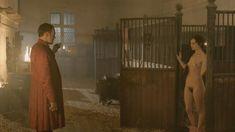 Голая Лора Хэддок в сериале «Демоны Да Винчи» фото #10