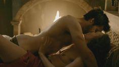Голая Лора Хэддок в сериале «Демоны Да Винчи» фото #13